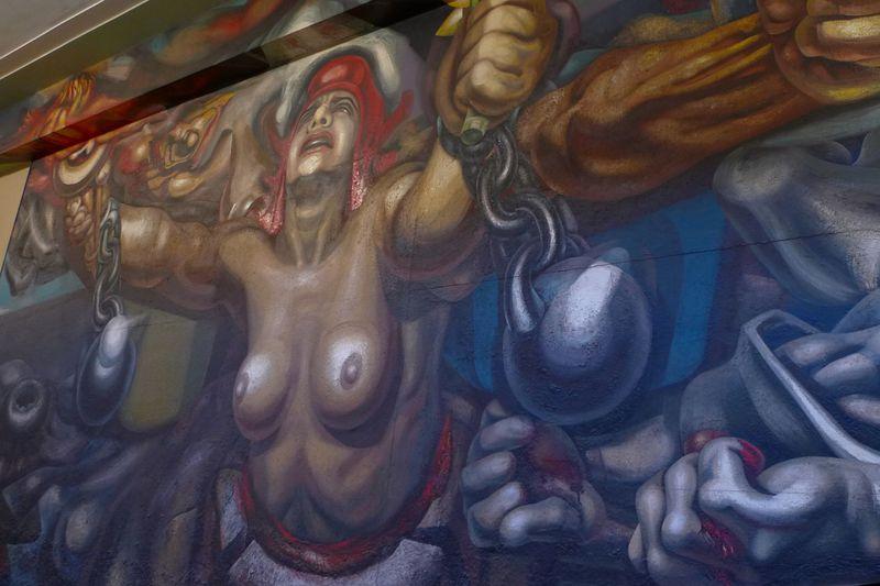 パッション炸裂!メキシコ国立芸術院・大迫力の壁画がスゴイ!