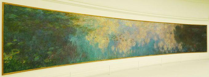 驚愕の大きさ!「オランジュリー美術館」の睡蓮