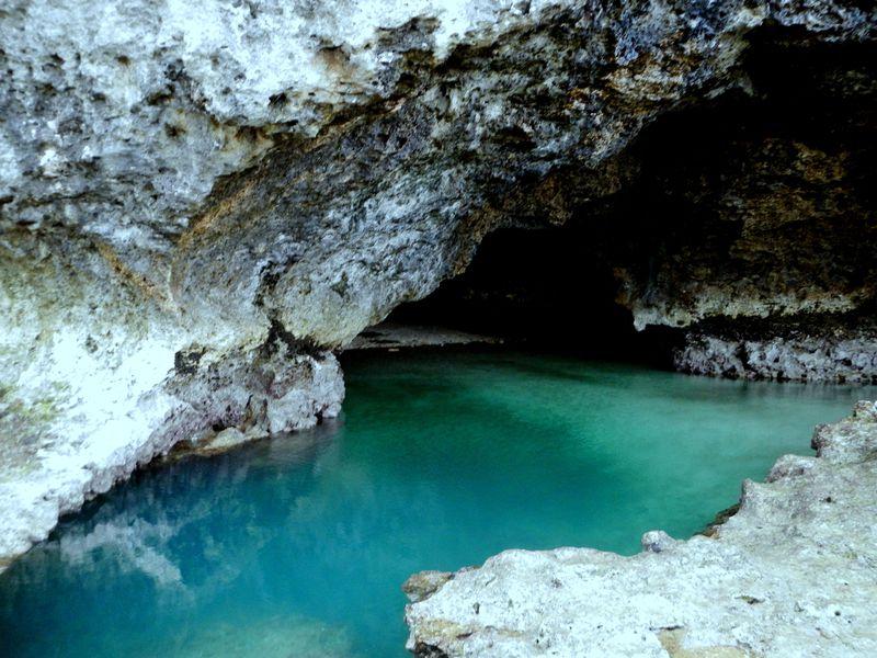 青の洞窟に不思議な庭園!?石垣島の知られざる魅力に迫る!