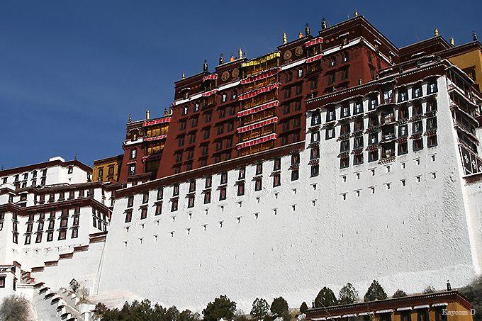 チベット仏教至宝の聖域「紅宮」