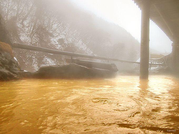 黄金の湯で運気アップ!長野の一軒宿「横谷温泉旅館」で健康と運を手に入れる