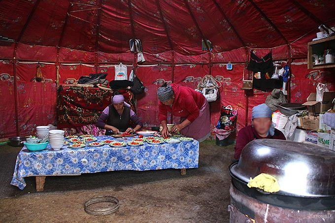 遊牧民の手作り料理