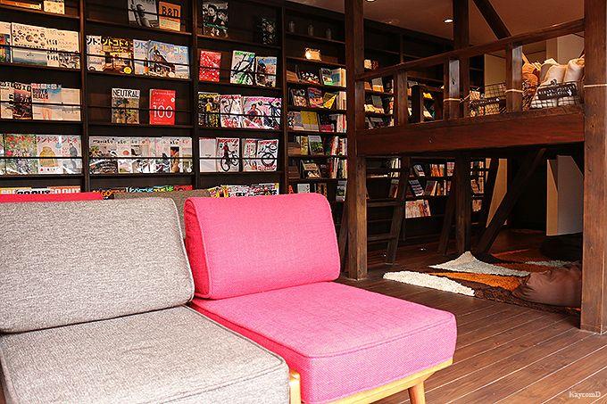 木の香りが心地よい「木の図書室」と本格ボディケア