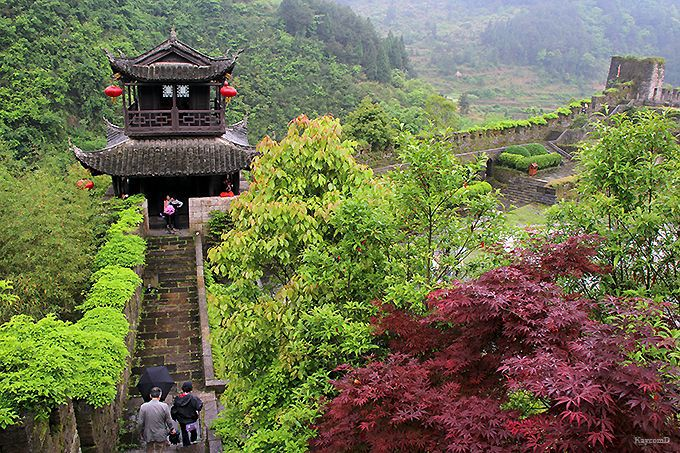 山に連なる南方長城