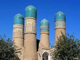 貴重なイスラム建築の宝庫!ウズベキスタンの世界遺産ブハラの名所巡り