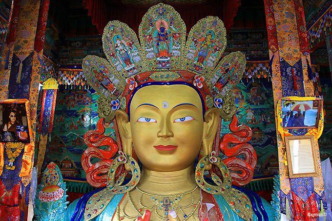 ラダックで最大の弥勒菩薩像が鎮座する「チャムカン」