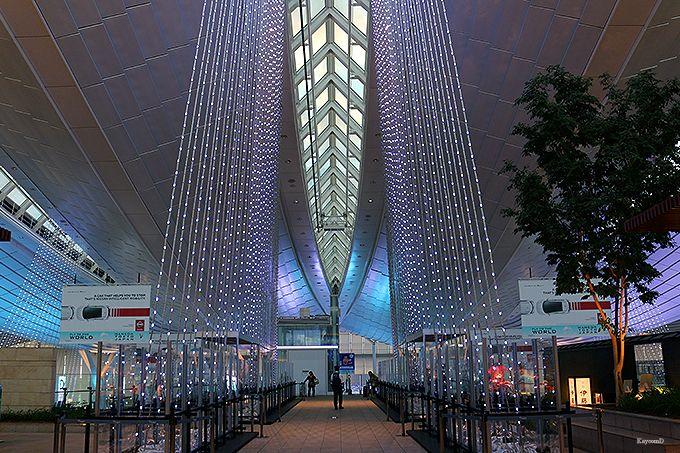 国際線旅客ターミナルのイルミネーション