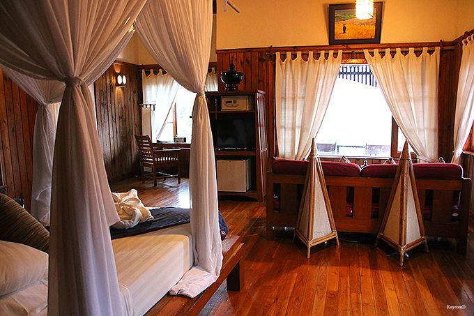 リゾート感満載の部屋