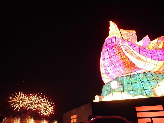 ランタンフェスティバルは様々な催しや夜市も大人気!