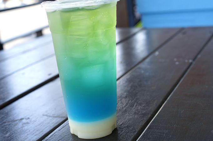 「晴石嶼」の「藍色珊瑚海」