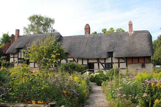 シェイクスピアが足しげく通った「アン・ハサウェイの家」