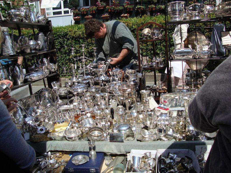 ロンドンでアンティーク三昧 掘り出し物が必ず見つかるマーケットめぐり