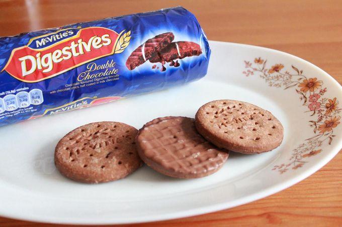 お腹にやさしい!?チョコレートたっぷり「ダイジェスティブビスケット」
