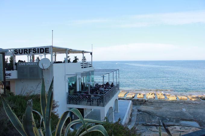 気取らないオーシャンビューのレストラン「SURFSIDE」