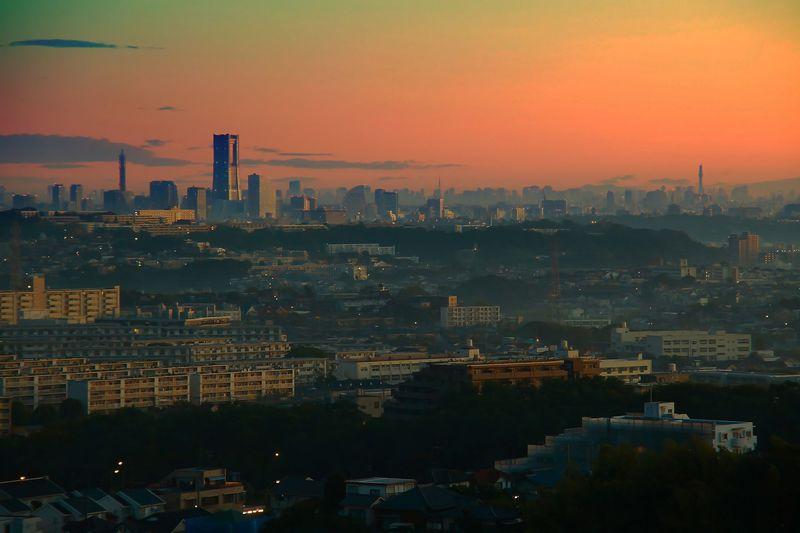 横浜の夜景を一望!朝焼けも幻想的な穴場展望スポット「円海山」
