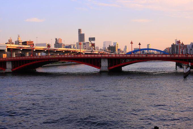 隅田川を渡す「吾妻橋」は代表的な東京新旧名所を結ぶ要!