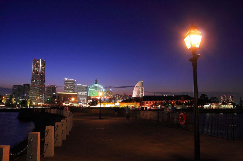 これぞベイエリア夜景の真髄!横浜「象の鼻パーク」で夜景を堪能