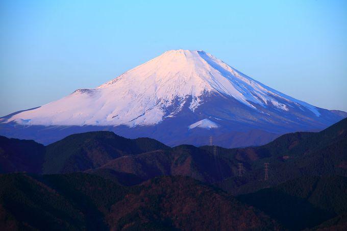 木製展望台にアクセスすればスケールの大きい富士山も!