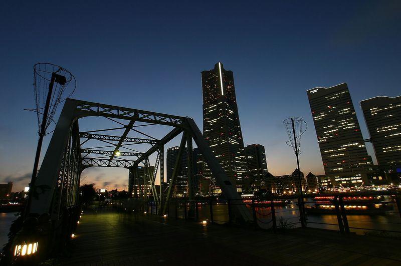必訪&必撮!横浜「汽車道」は極上ライトアップ夜景の宝庫
