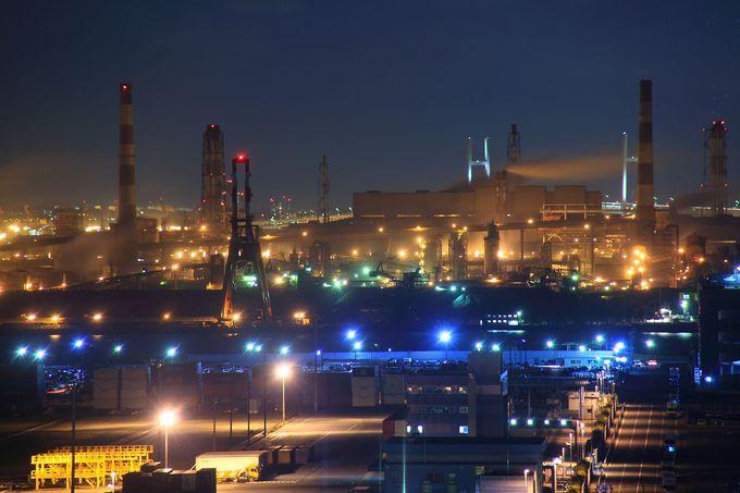 普段見ることができない扇島の製鉄工場の様子を展望室からは見ることが可能!