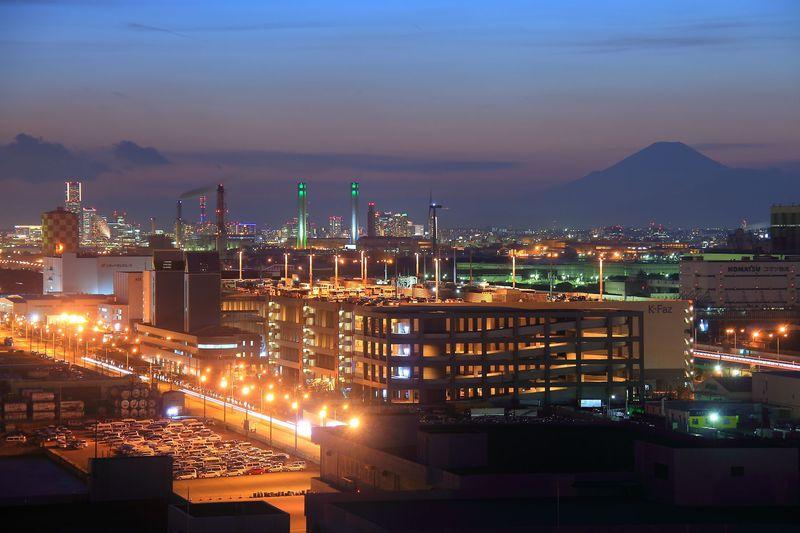 川崎の工場夜景や倉庫夜景を一望!東扇島にある川崎マリエン展望室