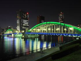 ライトアップされた橋が美しい!夜の隅田川沿い散策|東京都|トラベルjp<たびねす>