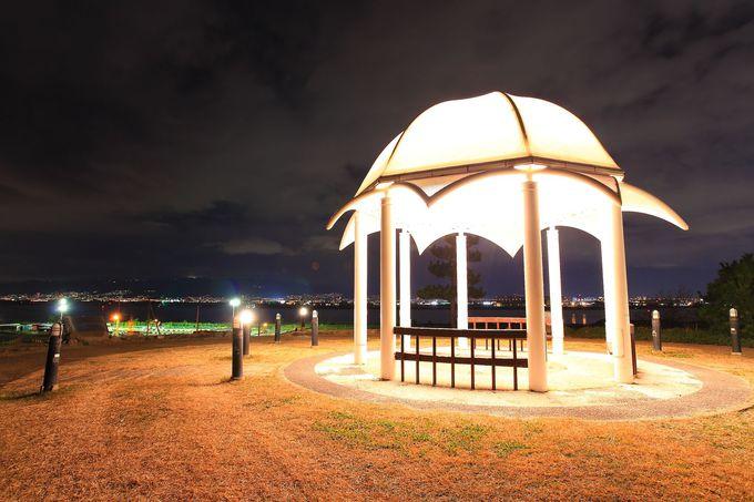 高さ25mの位置にある東屋から見下ろす周辺夜景は絶品!新夕陽ヶ丘