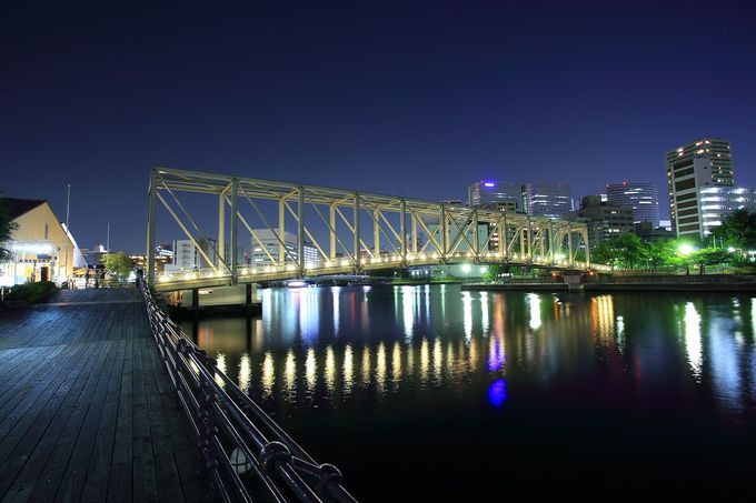 トラス形状が美しい「天王洲ふれあい橋」