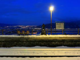 スイッチバック駅で有名な長野「姨捨駅」から雪夜景を眺めよう!|長野県|トラベルjp<たびねす>