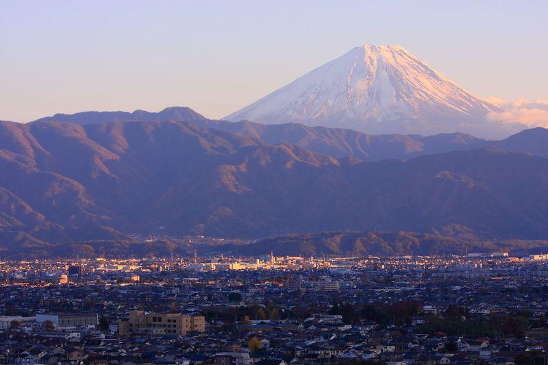 冬季限定で夜景観賞が可能!山梨県「赤坂台総合公園」展望塔