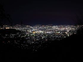 地上の銀河に大感動!甲府市街のオススメ夜景スポット4選|山梨県|トラベルjp<たびねす>