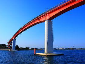 ドラマで一躍有名に!千葉の日本一高い歩道橋「中の島大橋」