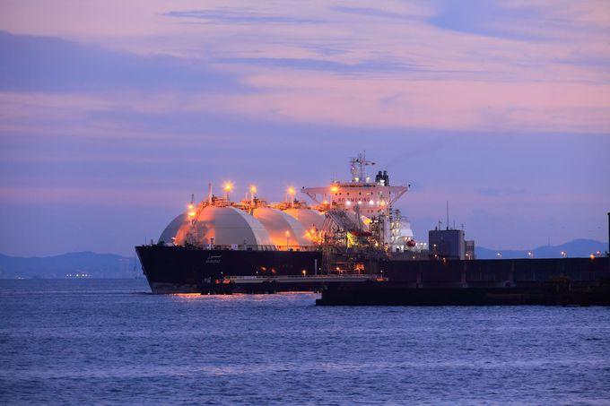 普段見ることができない都市ガス搬送船なども!