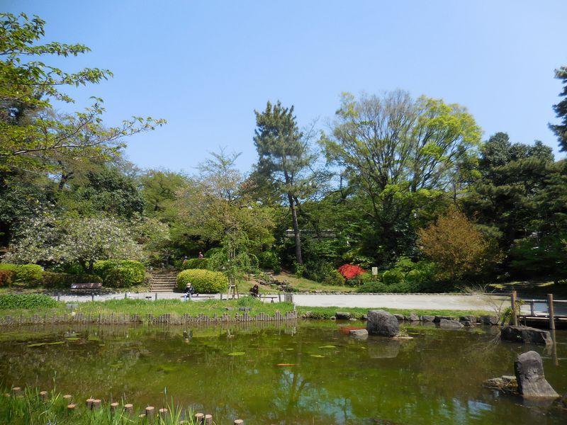 不思議な哲学の世界にトリップ!?緑豊かな東京中野・哲学堂公園