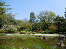 不思議な哲学の世界にトリップ!?緑豊かな東京中野・哲学堂公園|東京都|トラベルjp<たびねす>