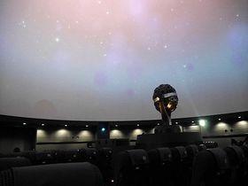 リアルで迫力の夜空を疑似体験!池袋・プラネタリウム「満天」|東京都|トラベルjp<たびねす>