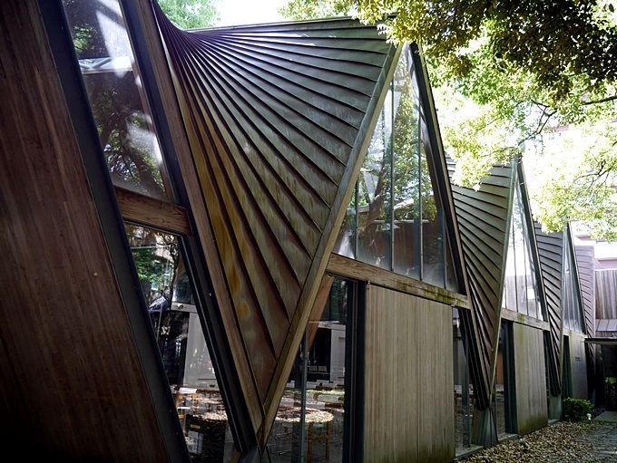 現代建築にも目を奪われる、弥生キャンパス
