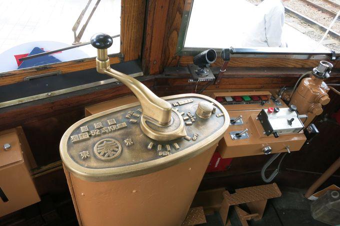 当時最新型だった653号、車内は動く電車博物館