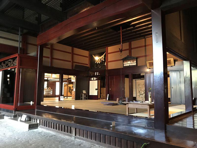 この豪壮さはぜひ見るべき!新潟県関川村の名邸「渡邉邸」