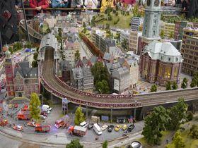 世界中を鉄道模型で再現!独・ハンブルクのジオラマ博物館