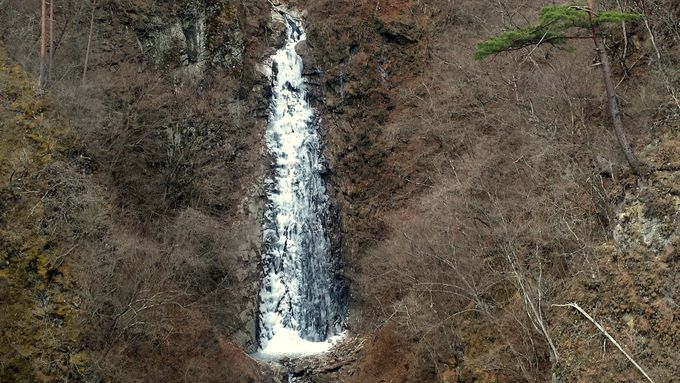 美しい不動の滝にうっとり
