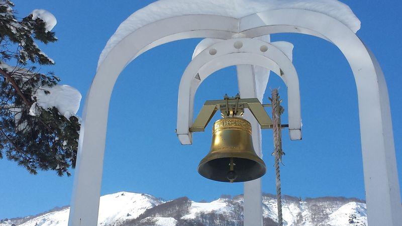 ゲレンデマジックで恋愛成就!?長野「白馬五竜スキー場」で鳴らす幸せの鐘