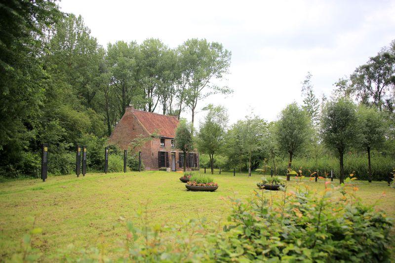 ベルギーで始まったゴッホの画家人生!モンス「ゴッホの家」