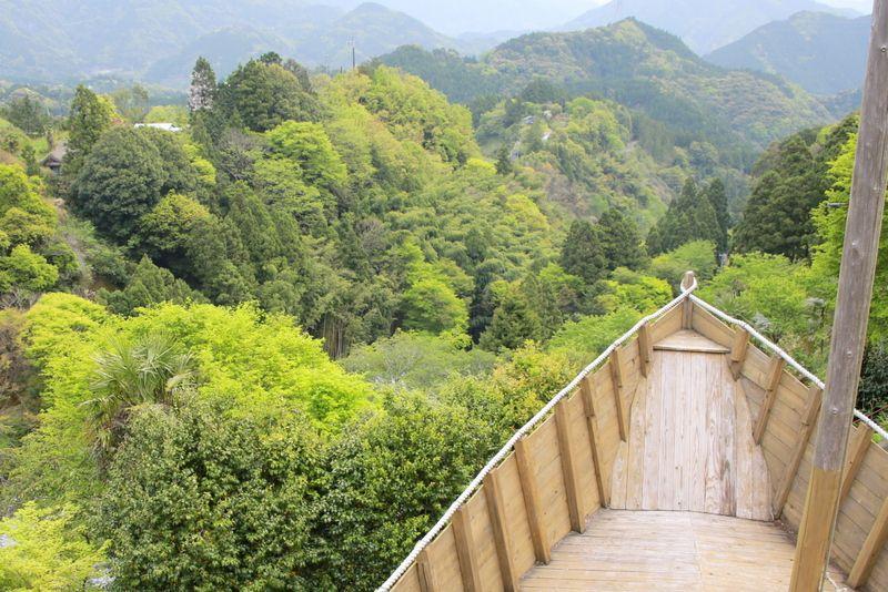 いざ緑の大海原へ!野外アートを楽しむ徳島「上勝アートプロジェクト」