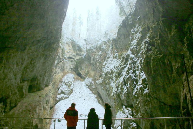 """大自然の威力に圧倒され続ける""""モラヴィア・カルスト洞窟群"""""""