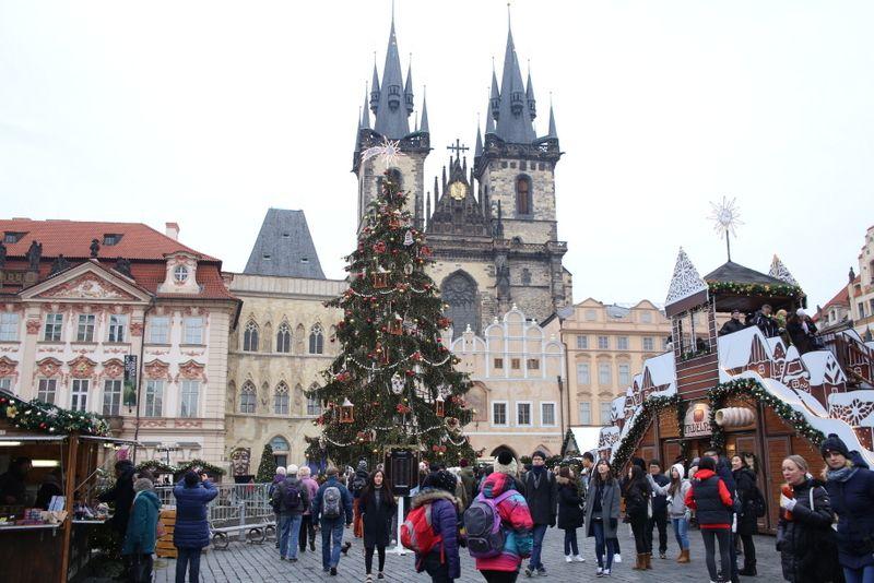 中世の面影を今も感じられる旧市街広場