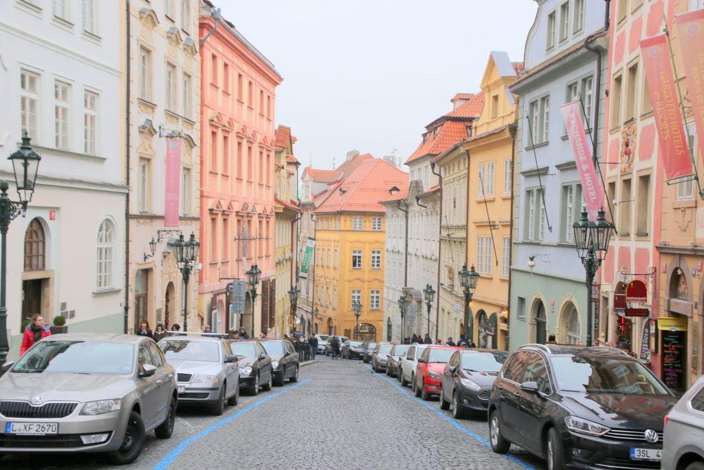 プラハ市内のなかでも美しい通りとして知られている場所