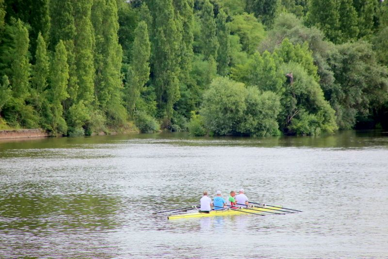 川と暮らす人々