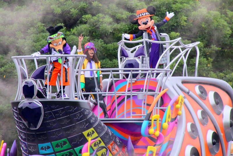一緒に踊って満喫200%!東京ディズニーランド「ディズニー・ハロウィーン2017」
