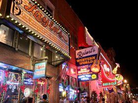 ナッシュビル「ブロードウェイ」でカントリー音楽を肴にはしご酒